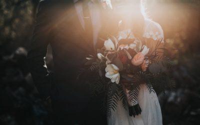 EXPERT ADVICE: SHOULD YOU THROW A DESTINATION WEDDING?