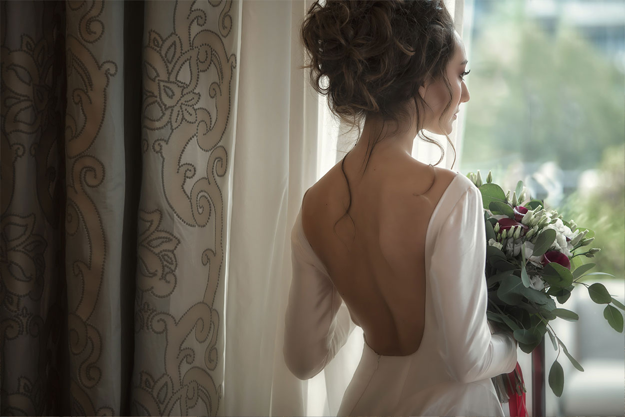Backless wedding gowns Wedding Dress Trends of 2021