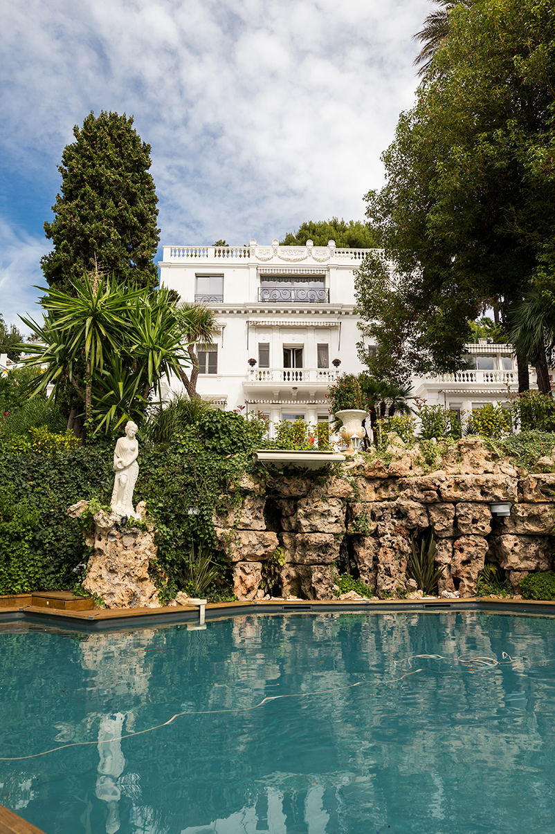 South of France wedding venues pool villa